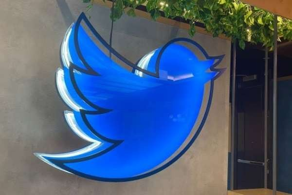 Twitter says staff can continue working from home permanently