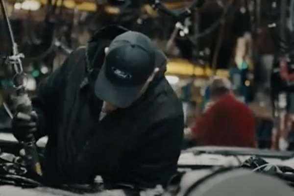 Ford Celebra La Fuerza Laboral y Destaca la Importancia de la Fabricación Estadounidense en Una Nueva Campaña